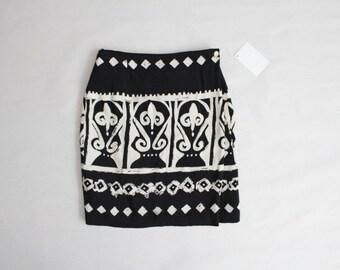ethnic skirt | short wrap skirt | black and white print skirt