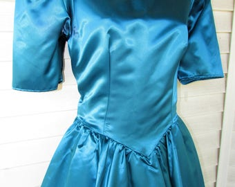 80s Bridesmaid Prom Dress Vintage 1980s Shiny Blue PUFF Sleeve Costume BOW Party Wedding Gown M 38