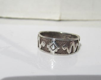 Native American - Southwestern Sterling Silver Overlay Ring with Snake Fetish and Symbol Band Ring - SIze 7.5     1195A