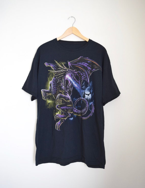 SUMMER SALE/ 30% off Vintage 90s Fire Breathing Dragon T Shirt (size large, xl)