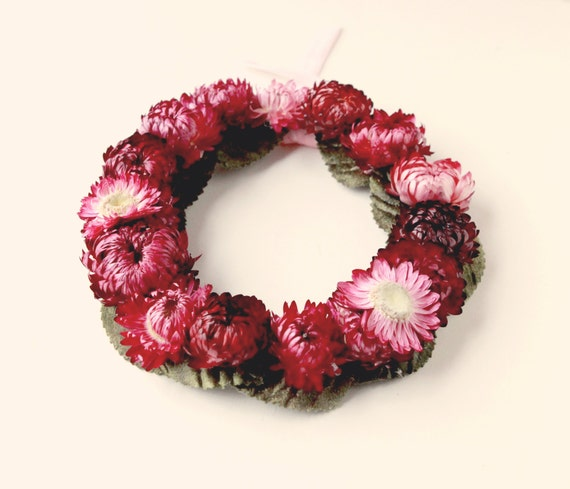 Dried flower wreath, Natural home decor, Small floral wreath, Strawflower wreath, Pink purple flower wall hanging, Spring home decor