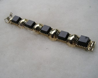 Retro Chunky Goldtone & Black Glass Link Bracelet Vintage