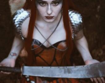 Witch Queen Vertebrae Plastic Resin Horns