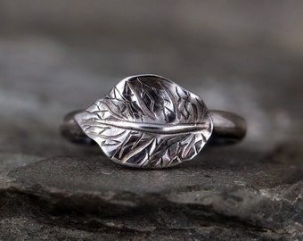 Big Leaf Stacking Ring - Sterling Silver - Large Leaf - Oxidized Dark Patina - Nature Inspired Jewellery - Made in Canada
