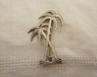 SALE ---- Vintage Sterling Silver Palm Tree Brooch
