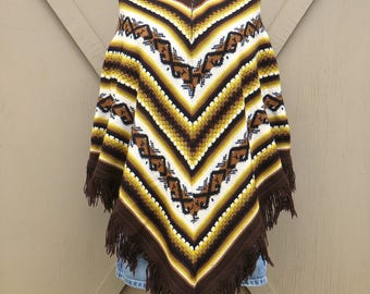 60s/70s vintage Boho Multicolor Southwestern Patterned Acrylic Knit Fringed Poncho / Cape / Los A Ases Florida / Industria Argentina