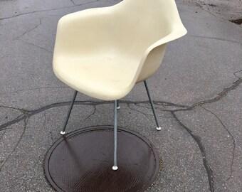 Vintage Eames H Base Shell Arm Chair Herman Miller White Bone