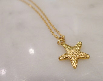 Small Starfish Charm Necklace in Gold