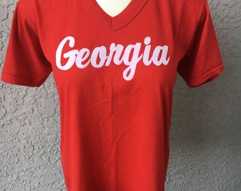 Georgia 1980s red v-neck vintage tee - size ladies small
