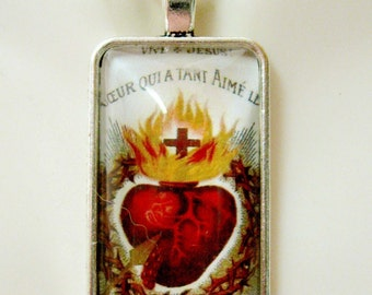 Sacred heart pendant with chain - AP16-011