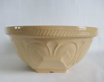 """Large 13"""" T G Green Gripstand Yellow Ware Mixing Bowl Vintage"""