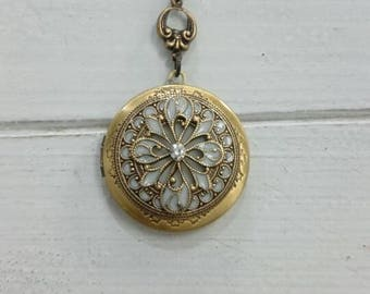 Filigree Vintage style Locket Necklace Bride Bridesmaid gift Wedding Birthday gift Sister Mom Daughter mother day friends steampunk locket