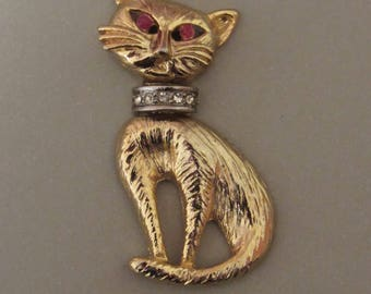 Cool Cat Magnet with Rhinestone Collar and Rhinestone Eyes - OOAK magnet