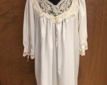 Vintage Christian Dior Nightgown White / White Lace / Neiman Marcus / ILGWU Union Made in U.S.A. /Medium