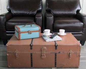 "1930s-40s Steamer Trunk, Foot Locker, with Tray ""Great for Coffee Table, Storage, Decorating"""
