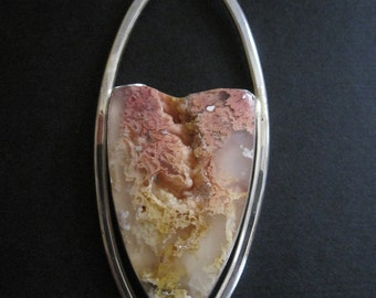 Pink Graveyard Point Plume Agate on Neck Ring