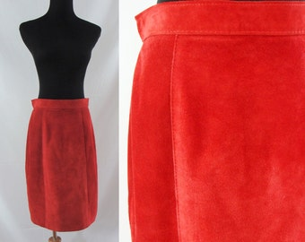 SALE Vintage Eighties Skirt - 1980s Red Suede Skirt - 80s Leather Skirt - Comint Suede Skirt - Medium Leather Skirt