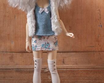 Blue sparkle top minifee kid doll chateau