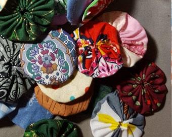 100 fabric Yo Yo Mix - prints, 2 inch size, Suffolk flower puff