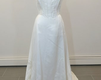 Stunning Givenchy wedding dress with lace bolero