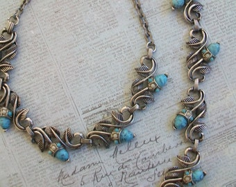 Vintage acorn design necklace and bracelet, acorn jewelry set, silver tone choker, acorn bracelet,