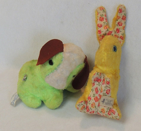 2 Vintage Plush Toys.. Knickerbocker Musical Dog & Columbia Toy Rabbit