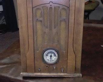 Antique 1930's Sentinel Tombstone Radio Vintage Radio