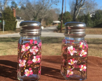 Cherry blossom salt and pepper shakers, hand painted cherry blossoms salt and pepper shakers, wedding gift, kitchen gift, housewarming gift