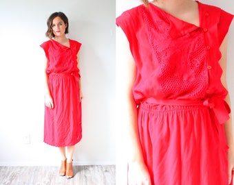 Vintage boho red crochet summer dress // beach dress // large short sleeve red dress // summer 1960's 1950's dress // mod modest sash tie
