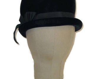 60s Velvet Hat Black Velvet Bubble Hat Black Bubble Touque 1960s Black Dress Hat Vintage Velvet Hat Velvet Winter Hat