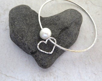 White Pearl Bangle, Sterling Silver, Hammered Heart Charm, Love, Anniversary,  Gift Idea, June Birthstone, Bridal Jewelry, Pearls