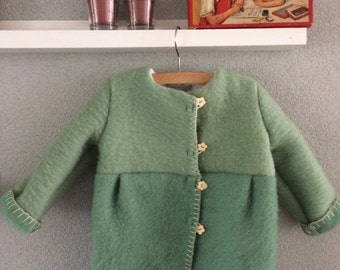 Girls jacket, blanket coat dekenjas made of a vintage green wool blanket, size 98