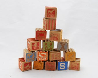 Vintage Ridged Children's Stacking Blocks Lot of 16 - ABC Letters - Carved Graphics - 1940's Pre-School Reading Blocks - Scenes - Pictures