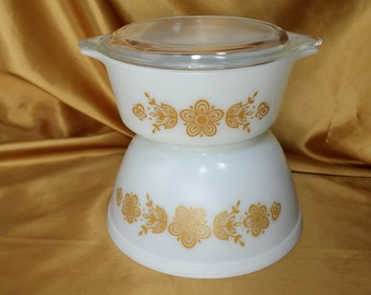 2 Vintage Pyrex Butterfly Gold Cinderella Bake-Serve-Store Casserole With LID 1 1/2 PT Mixing Bowl 1 1/2 QT 472 402 *eb