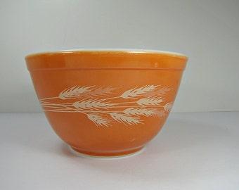 Vintage PYREX AUTUMN HARVEST BOWl Orange Wheat #401 Nesting 1.5 Pint 750 ml Corning