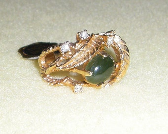 Vintage Vargas Jade Ring 18KT HGE, genuine stone in yellow gold leaf design with rhinestones, size 5 new with tags nwt