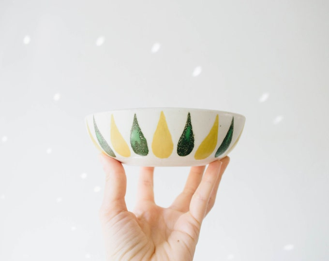 Mid Century Frank C Mann Studio Pottery Bowl // Scandinavian Modern Ceramics // Hostess Gifts
