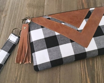 Black and White Buffalo Check Wristlet - Zipper Pouch - Fabric Clutch - Bridesmaid Gift - Rustic Accessory - Woodsy Bag - Boho Chic