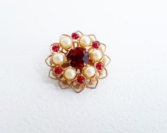 Vintage Jewelry Gold Ruby Pearl Pin Small Round Gold Pin Pink Red Pearl Brooch Ruby Pearl Flower Pin Delicate Gold Filigree Jewelry