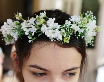Flower crown bride, bridesmaid, flowergirl.  Delicate white floral crown Silk flower crown, hair circlet. Flower and foliage hair accessory.