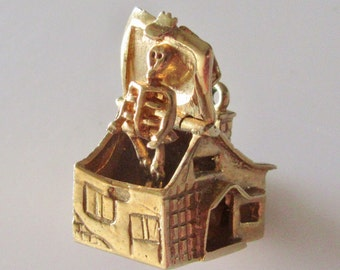 Large Gold Haunted House and Skeleton Opening Charm