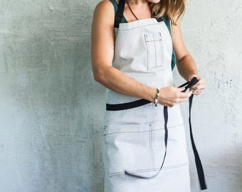 Oui Chef Restaurant Apron | Salt + Pepper w/ black strapping