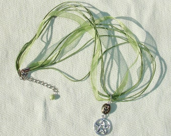 Good Luck Green Gemstone Pentagram Ribbon Necklace