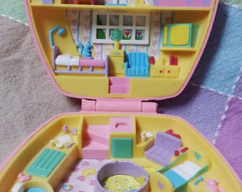 """Vintage Polly Pocket 1992 """"Polly In the Nursery"""" compact playset"""