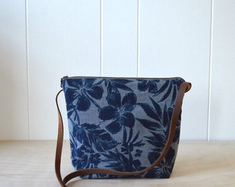 Shoulder Bag in Hibiscus - Cross Body Purse