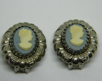 Blue Victorian Cameo Clip On Earrings, Silver Tone Cameo Earrings, Clip on Cameo Earrings