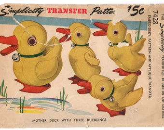 1940's Simplicity Mother Duck and 3 Ducklings Stuffed Animals Pattern - No. 7428