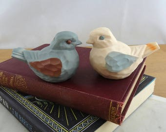 Adorable Vintage Plastic Bird Salt and Pepper Shakers,  Cute Kitsch Dove Novelty Condiment Shaker Set