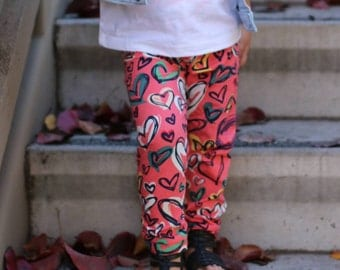 Girls Leggings - Heart Leggings - Handmade Leggings - Baby Leggings - Cotton Pants - Childrens Clothing - Kids Leggings - Girls Outfit