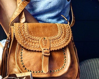 LA BONITA. Tan leather bag / tan bag / leather messenger bag / bohemian leather bag / boho bag. Available in different leather colors